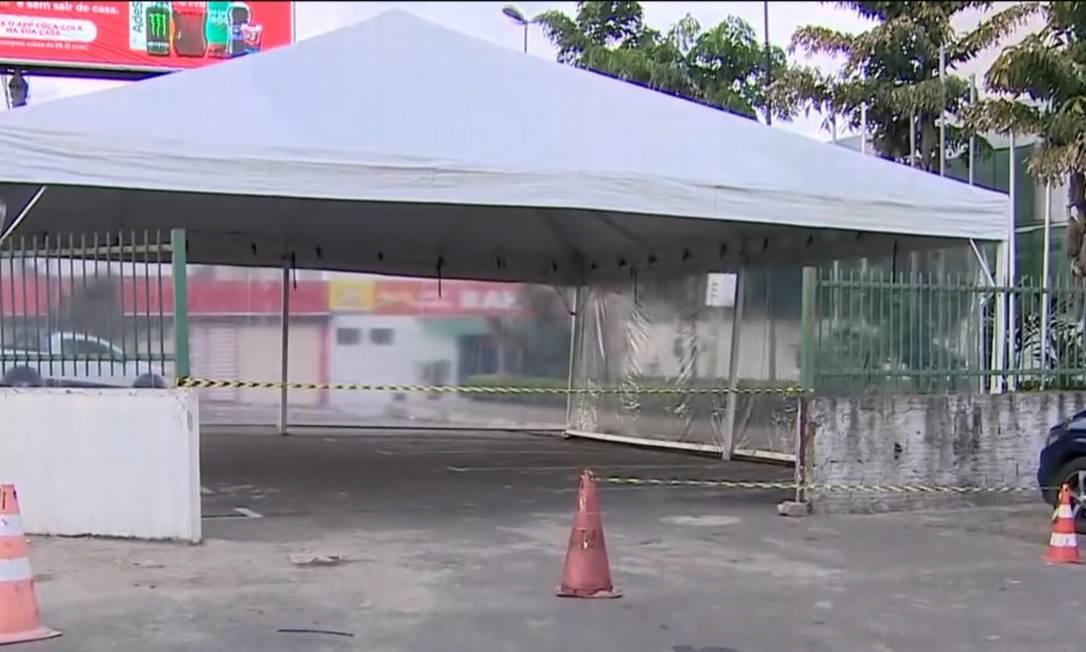 Tendas foram novamente montadas para atendimento em Manaus Foto: Reprodução/TV Globo