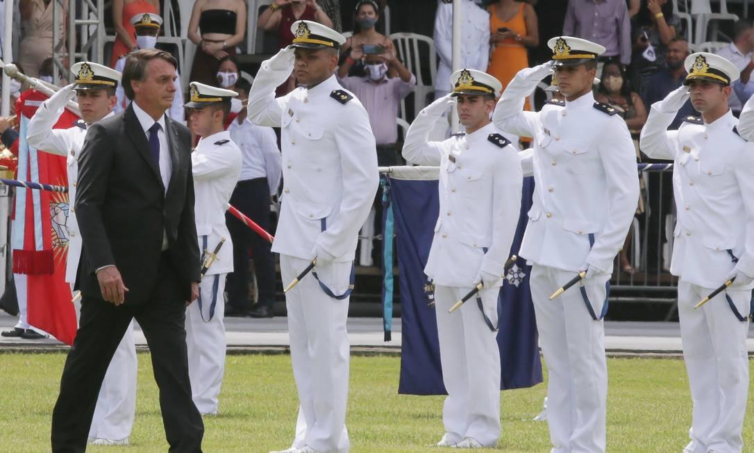 O presidente Jair Bolsonaro acompanha formatura da Marinha, no Rio de Janeiro Foto: Cléber Júnior/Agência O Globo/12-12-2020
