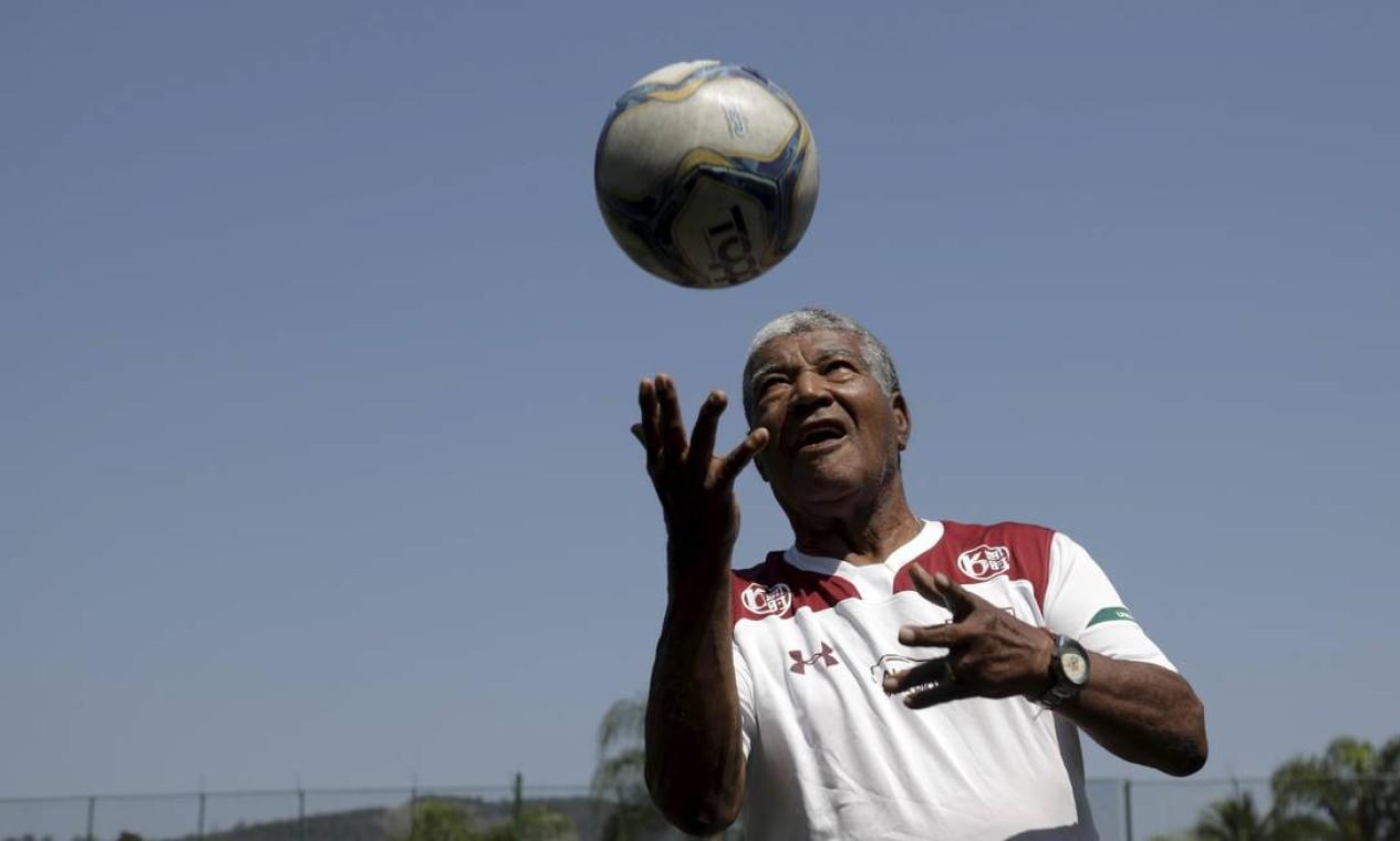 7/3 - Jair Marinho, campeão mundial em 1962, aos 83 anos, de complicações após AVC Foto: Custódio Coimbra / Agência O Globo
