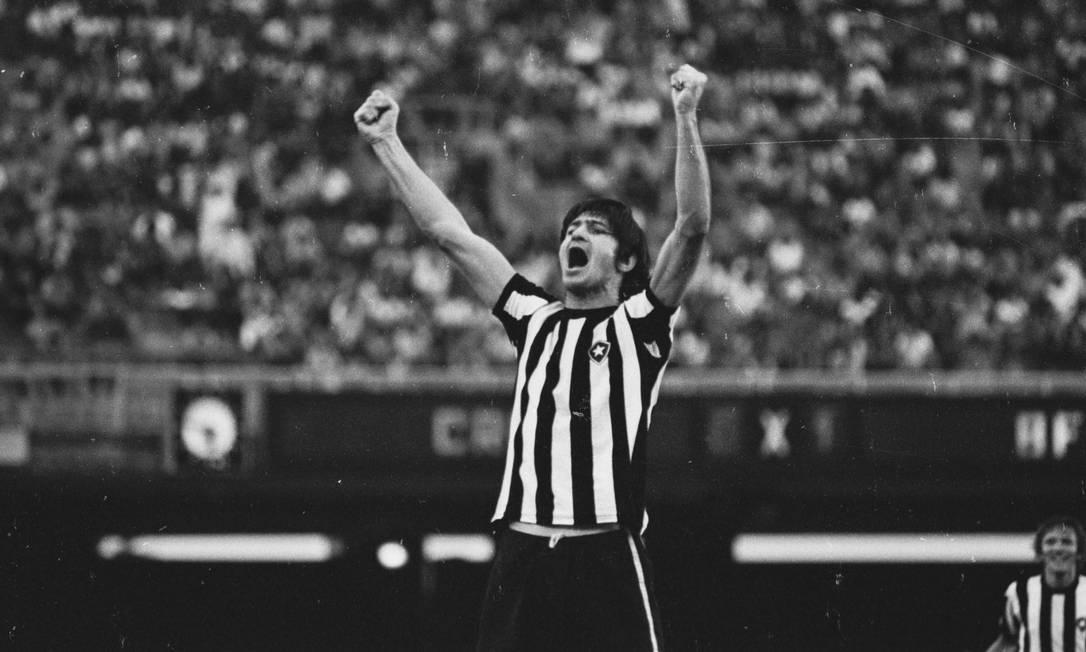 16/10 - Rodolfo Fischer, ex-Botafogo, aos 76, de causa não divulgada Foto: Arquivo / Agência O Globo