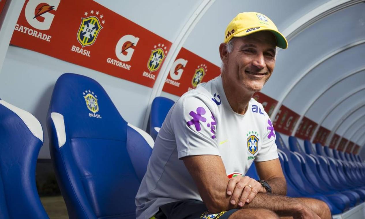 15/11 - Carlos Amadeu, ex-técnico do Brasil sub-20, aos 55, de ataque cardíaco Foto: Gabriel de Paiva / Agência O Globo