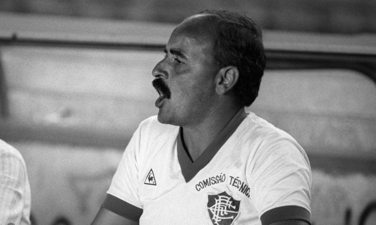27/12 - Carbone, ex-Fluminense e Guarani, aos 74, de câncer hepático Foto: Cezar Loureiro / Agência O Globo