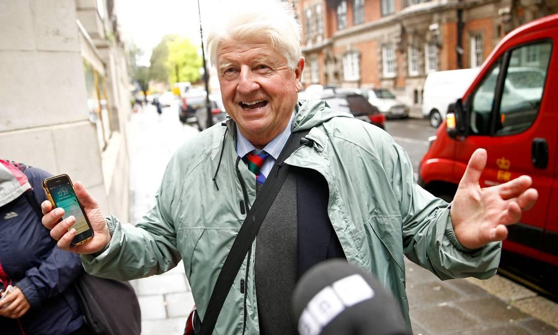 Stanley Johnson, pai do premier Boris, cuja mãe é francesa Foto: HENRY NICHOLLS / REUTERS/24-09-2019