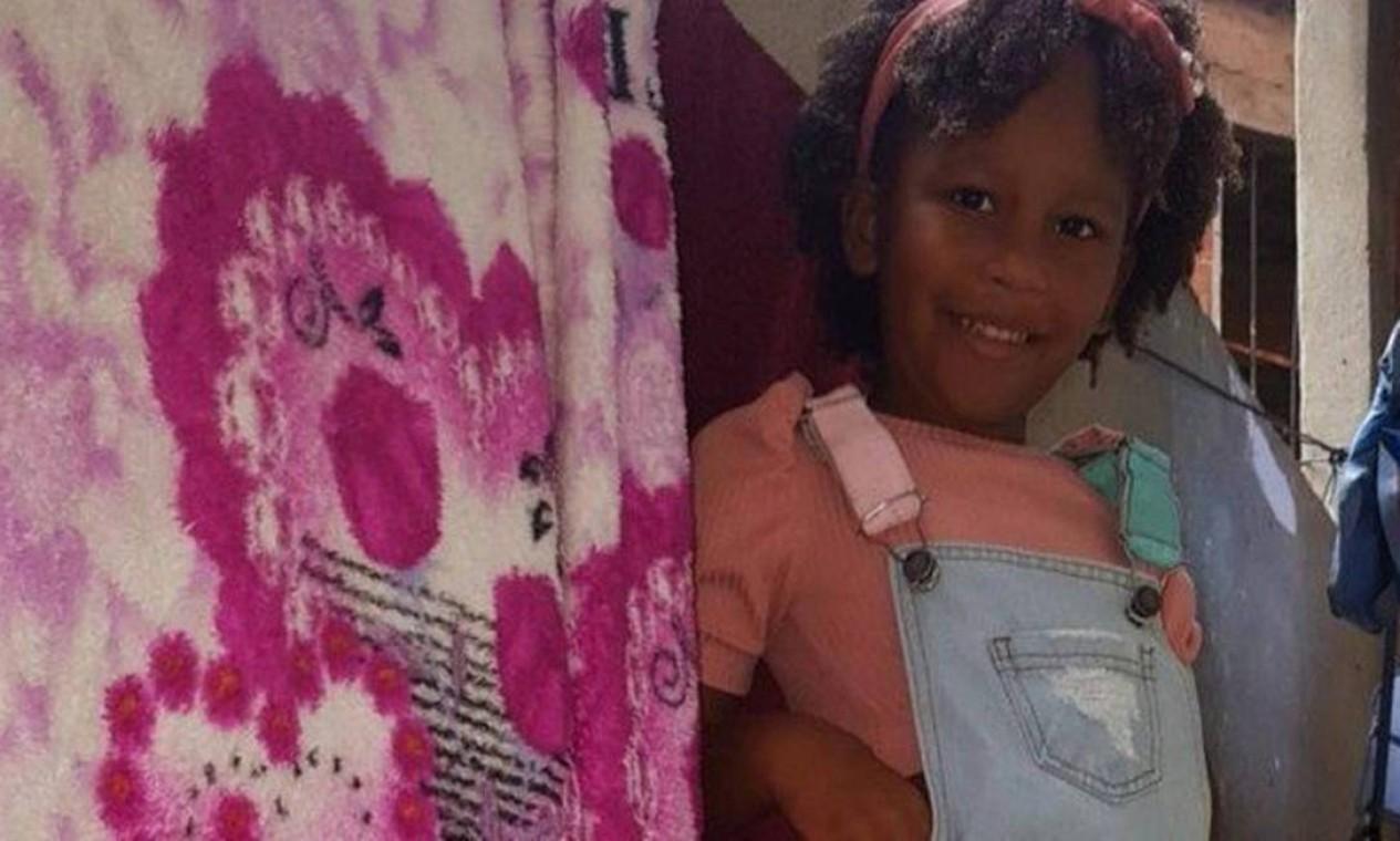 Alice Pamplona da Silva de Souza, de 5 anos, foi atingida por tiro no pescoço durante queima de fogos do réveillon de 2021. Chegou a ser socorrida por parentes, mas não resistiu. A tragédia aconteceu no Morro do Turano, no Rio Comprido, Região Central do Rio Foto: Acervo da família