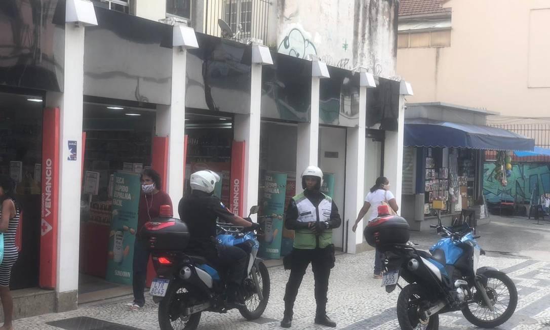Policiais do Rio+ Seguro intercederam na briga Foto: Divulgaçao / .