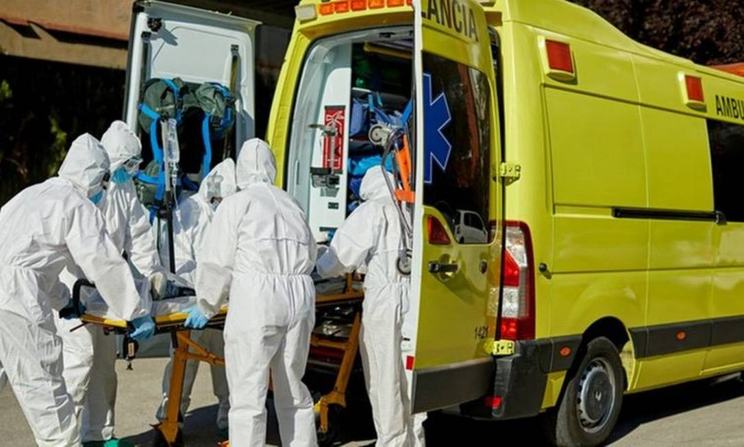 Pandemia foi verdadeira 'prova de fogo' para sistemas de saúde ao redor do globo Foto: XAVIER ARNAU/GETTY IMAGES