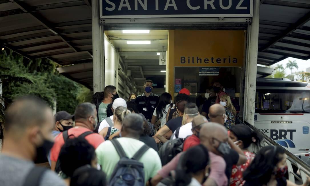 Prefeitura se prepara para aumentar frota em circulação, a partir de diagnóstico do serviço que atualmente mantém 56 estações fechadas Foto: Gabriel de Paiva / Agência O Globo