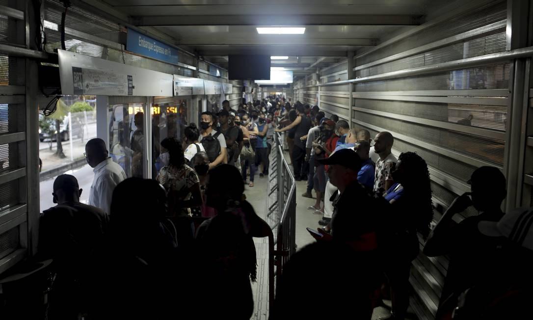 Estação de Santa Cruz é uma das mais movimentadas do modal Foto: Gabriel de Paiva / Agência O Globo