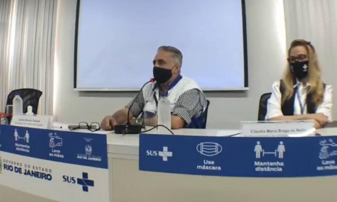 O secretário estadual de saúde Carlos Alberto Chaves e o secretário municipal de saúde Daniel Soranz participaram da coletiva Foto: Reprodução