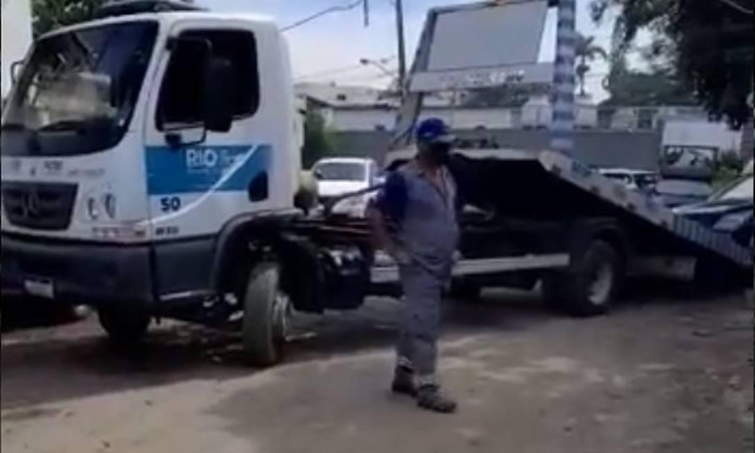 Flanelinha roubou chaves para evitar remoção de veículos estacionados irregularmente Foto: ReproduçãoRedes Sociais