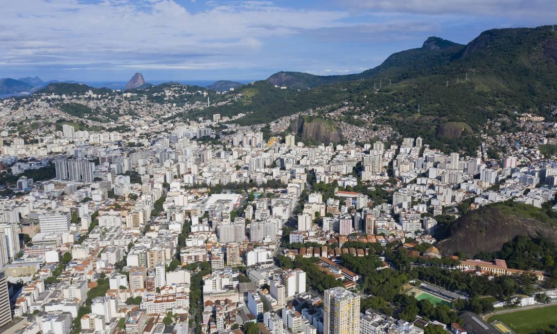 Cariocas têm acesso à guia do IPTU 2021 a partir desta quarta-feira (6) Foto: Gabriel Monteiro / Agência O Globo / 27-03-2020