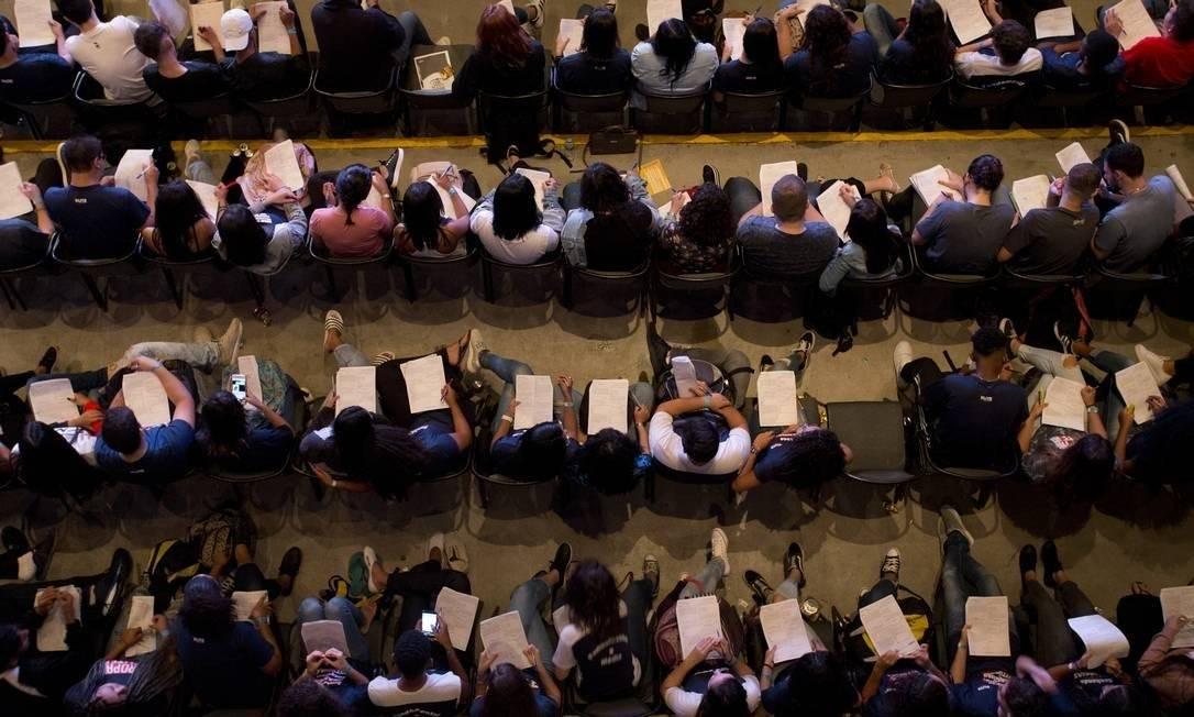 Estudantes fazem aula para a prova do Enem no Rio,em 2019 Foto: Foto de Márcia Foletto / Agência O Globo