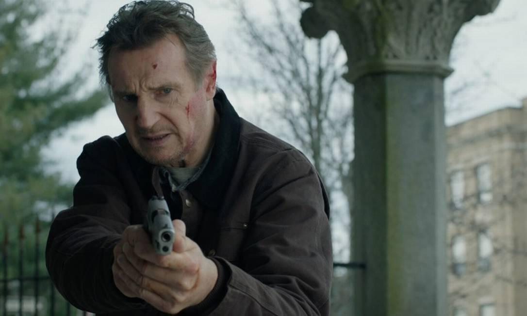 "Liam Neeson no filme ""Legado explosivo"""
