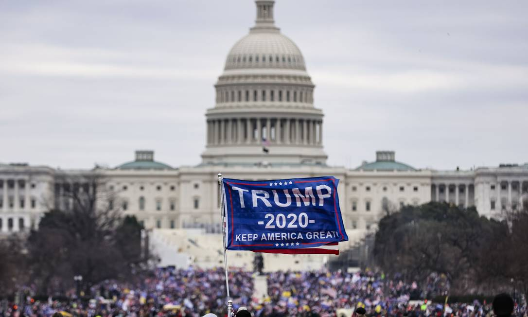 Apoiadores de Trump invadem o Capitólio dos EUA Foto: Samuel Corum / AFP