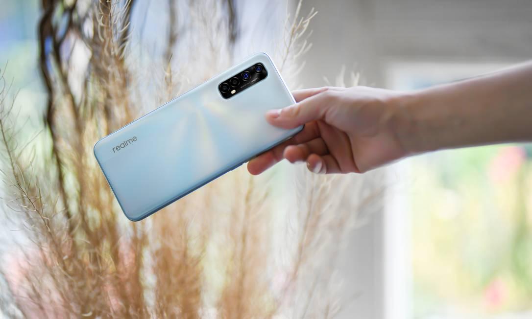 A realme estreia no país com dois smartphones, um smartwatch e um fone de ouvido Foto: Divulgação