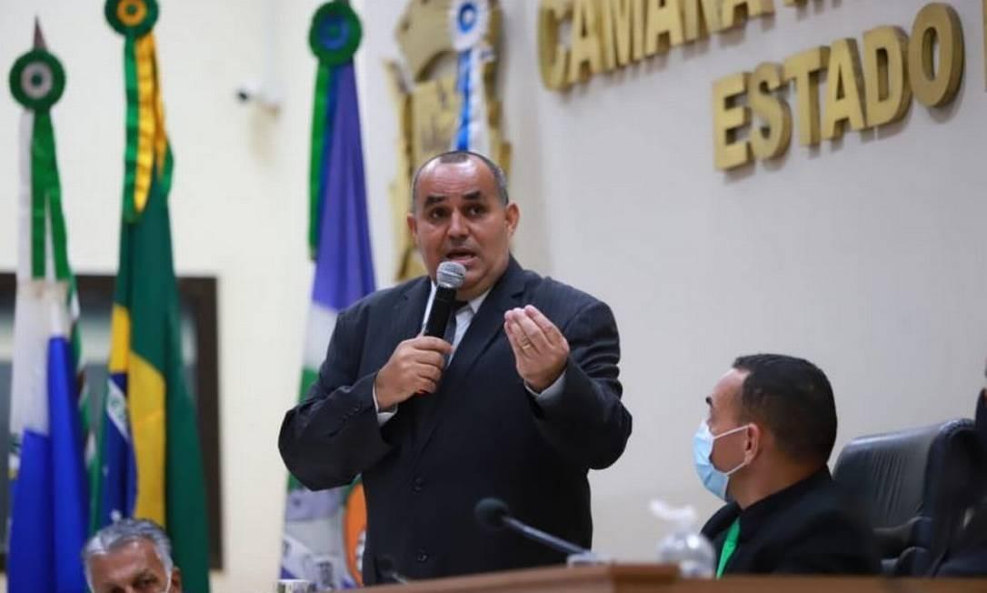 O prefeito de Rio das Ostras, Marcelino Borba (PV), durante cerimônia de posse Foto: Divulgação Prefeitura de Rio das Ostras