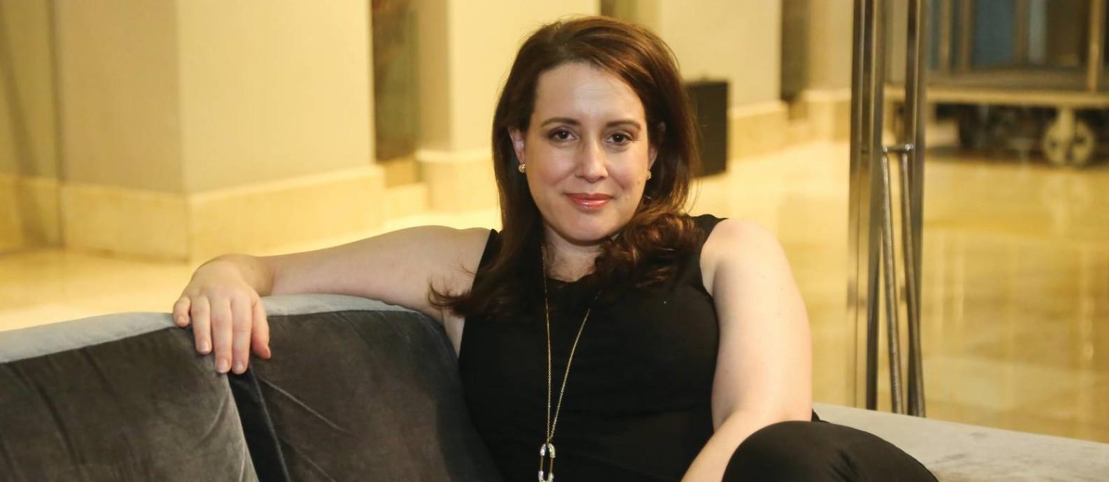 """A escritora americana Julia Quinn, autora da série de livros que inspirou a série """"Brigderton"""", sucesso da Netflix Foto: Roberto Filho / Divulgação"""