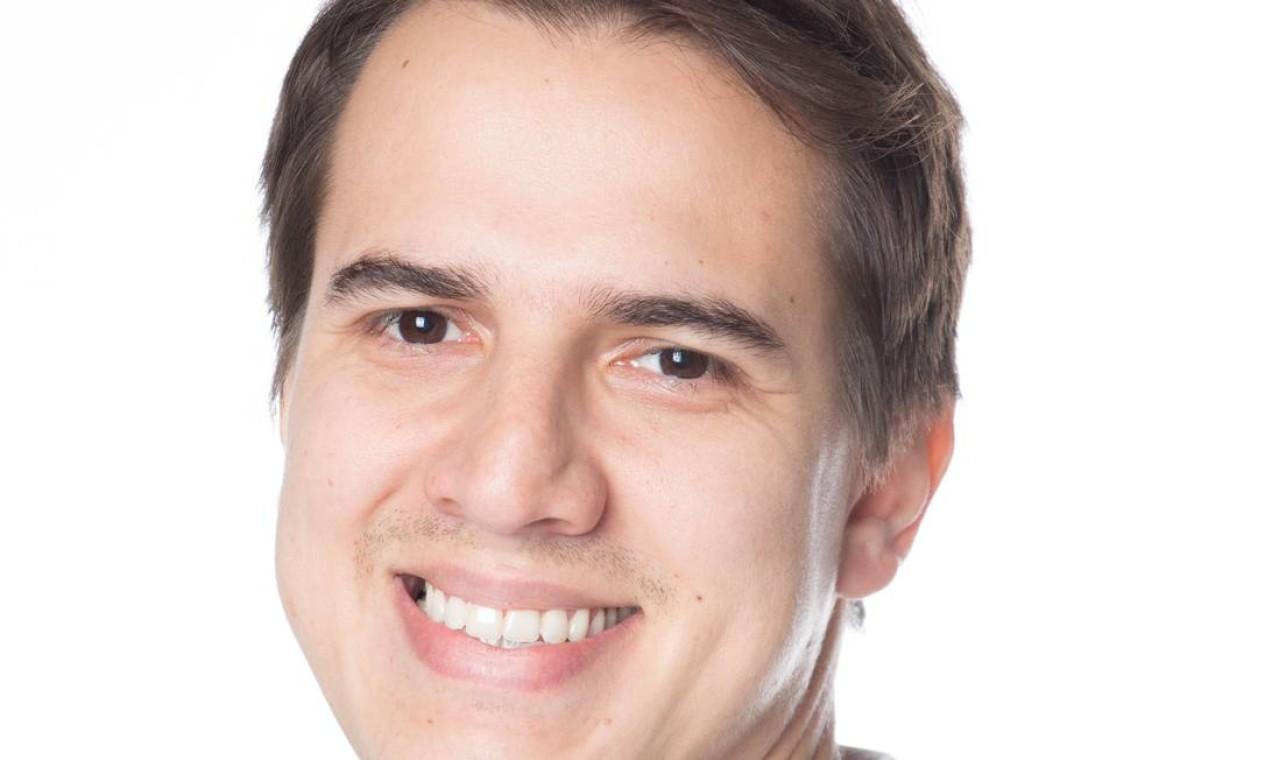 Danilo Torres, de 33 anos, formado em Ciência da Computação, com MBA em gestão empresarial, há dois meses trabalha em casa, no Brasil, para uma empresa americana: salário 50% maior do que o pago no mercado brasileiro Foto: LARISSA AMELIO/Divulgação