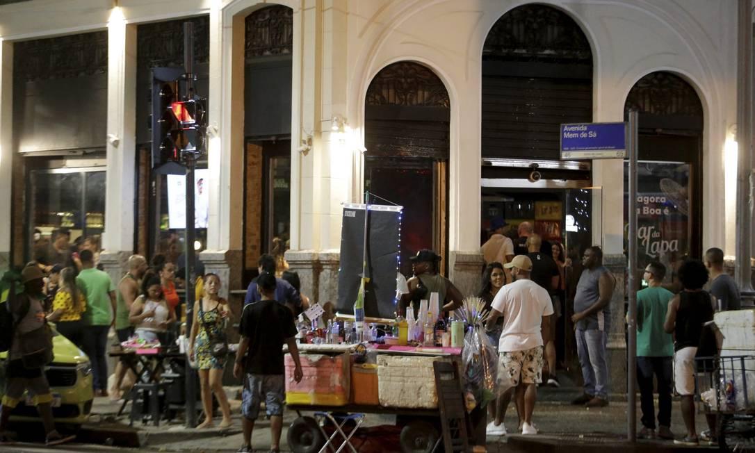 Bar na Lapa em 8 de janeiro de 2021 Foto: Domingos Peixoto / Agência O Globo