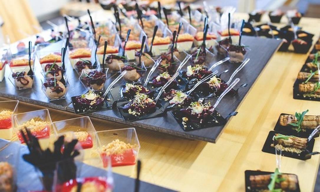 Catering: o setor enfrenta o desafio de resistir em meio a eventos suspensos Foto: Reprodução Pexels