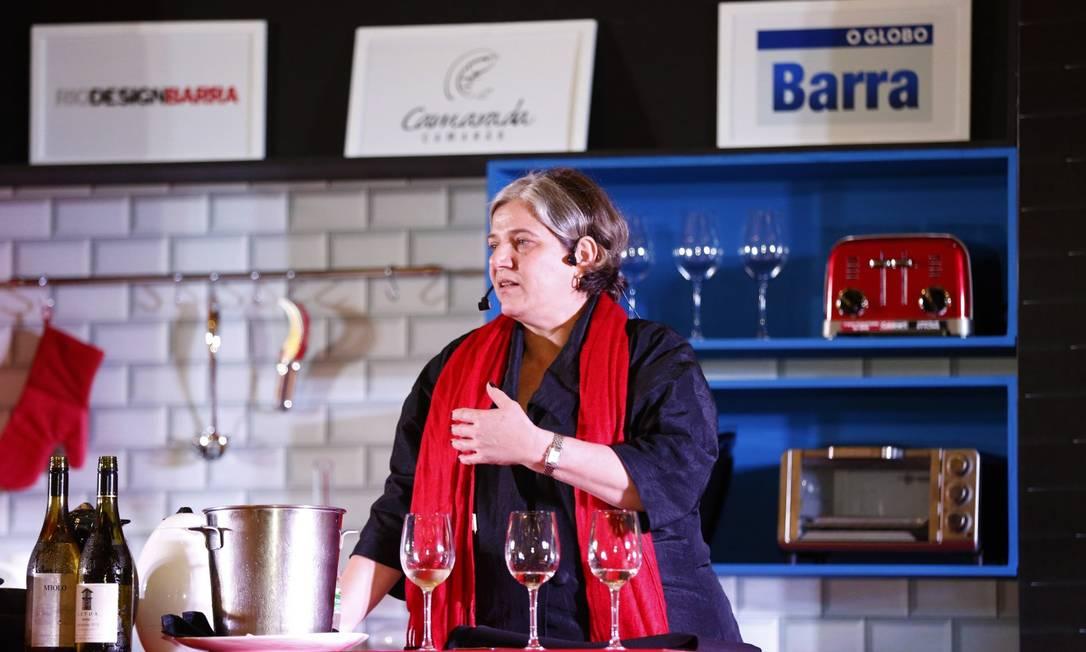 """Deise Novakoski: a bartender e sommelière é a segunda convidada da série """"Aqui se bebe"""" Foto: Marcelo de Jesus / Agência O Globo"""