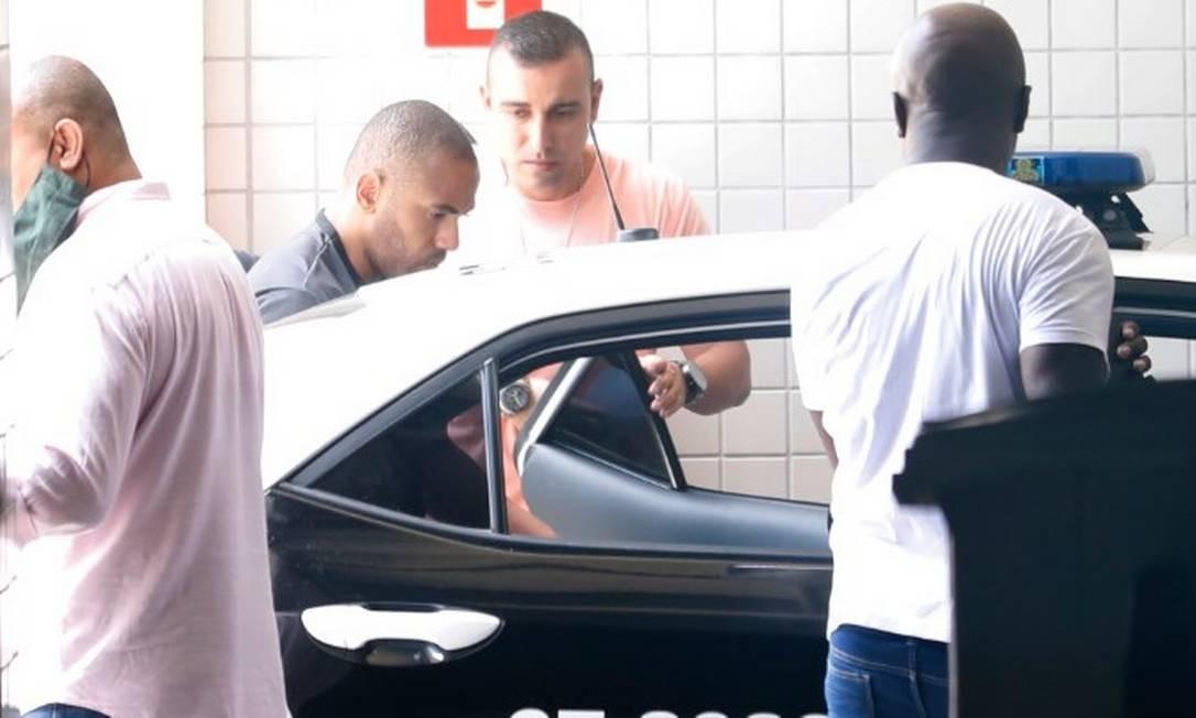 Bombeiro João Maurício deixa o IML após fazer exame em 11/01/21 Foto: Luiza Moraes / Agência O Globo