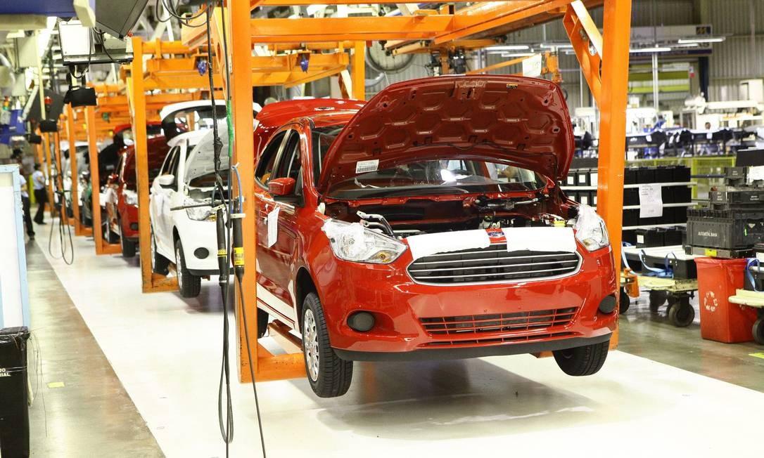 Linha de produção do Ford Ka na fábrica da marca em Camaçari, na Bahia Foto: Divulgação / Agência O Globo