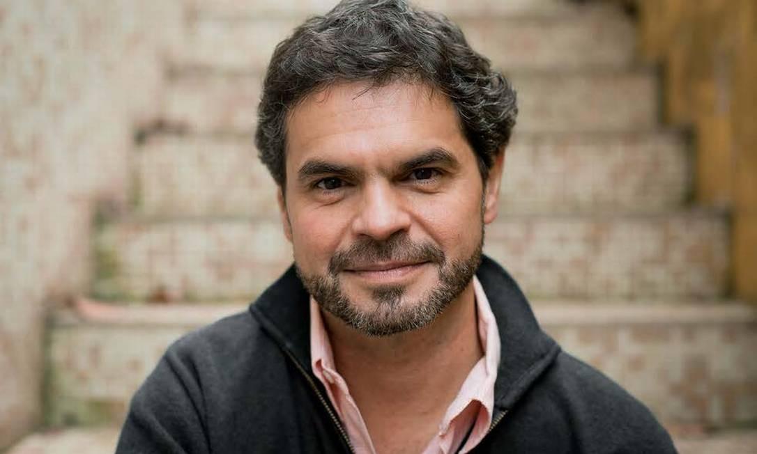 O escritor Rodrigo Lacerda: novo editor-executivo do Grupo Record Foto: Divulgação