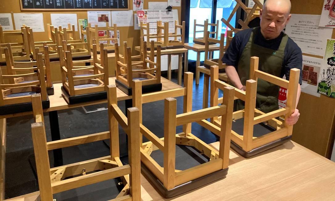 Bares e restaurantes ainda têm dificuldade de recuperar as perdas na pandemia Foto: Akira Tomoshige / Reuters