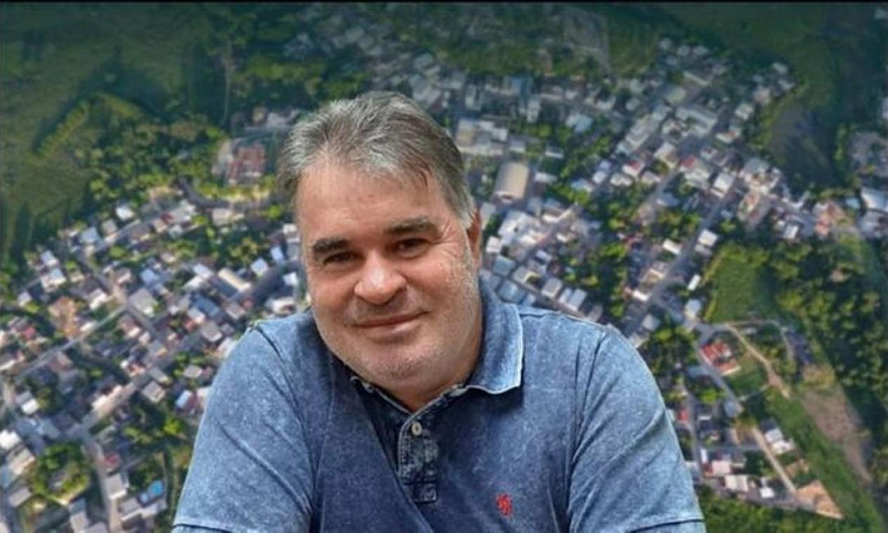 O prefeito de Água Doce do Norte (ES), Paulo Márcio Leite Ribeiro (PSB), morreu aos 50 anos e deixou duas filhas, de 18 e 23 anos Foto: Divulgação