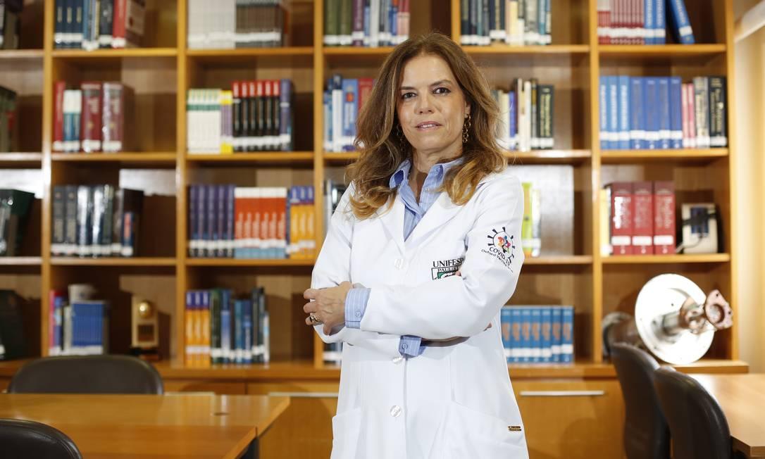 Sob a coordenação de Sue Ann Costa Clemens, seis centros no Brasil recrutaram mais de 10 mil voluntários para os testes da vacina de Oxford Foto: Fábio Rossi / Agência O Globo