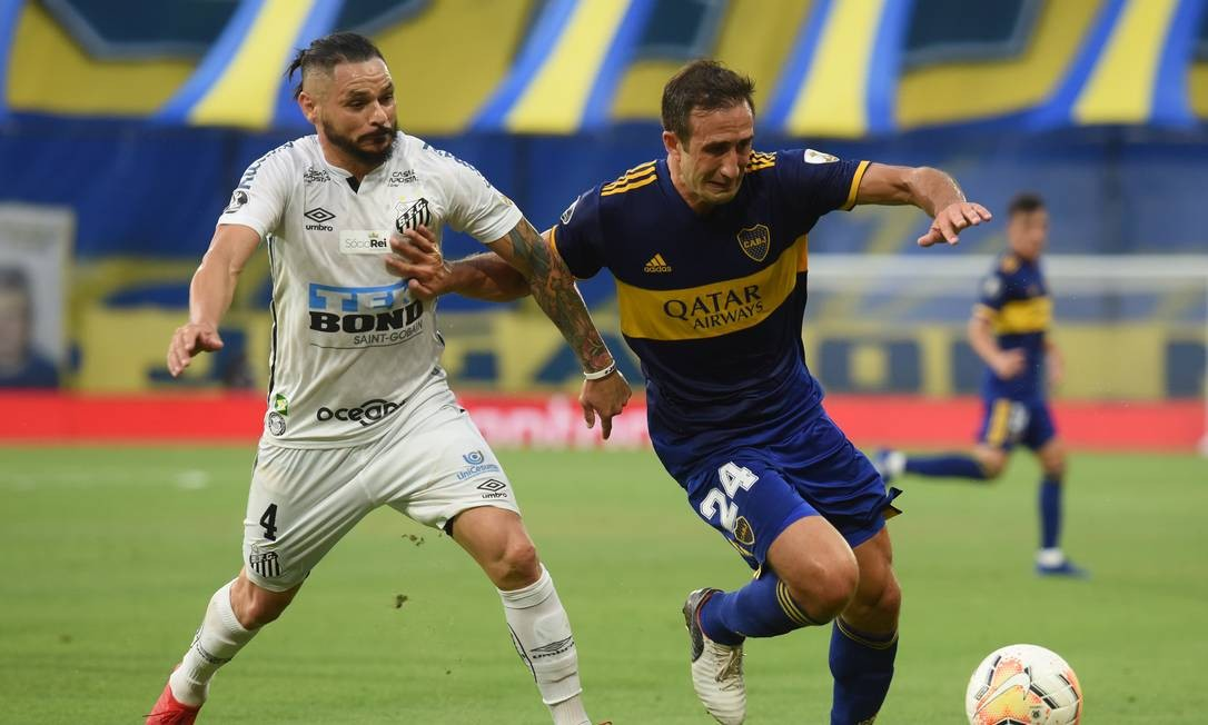 Lateral-direito, Pará passou por Grêmio e Flamengo — quando fez parte do elenco que conquistou a Libertadores de 2019 — antes de voltar à Vila Belmiro, em agosto de 2019. Foto: MARCELO ENDELLI / Pool via REUTERS