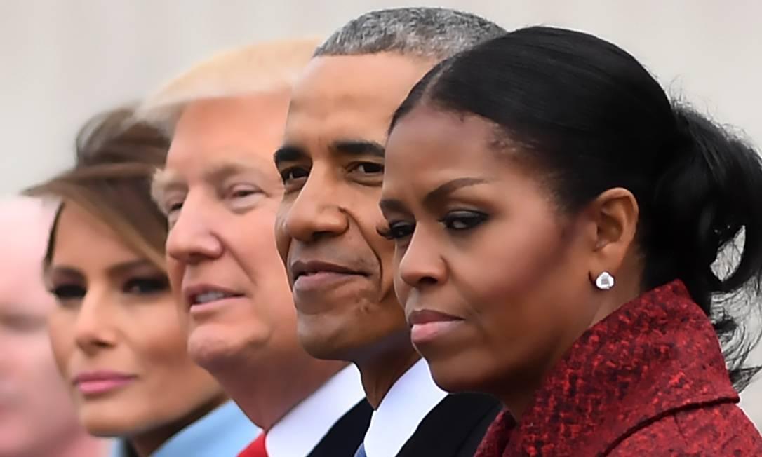 Da esquerda para a direita, a primeira-dama Melania Trump, o presidente Donald Trump, o ex-presidente Barack Obama e a ex-primeira-dama Michelle Obama após a cerimônia transferência de cargo em Washington Foto: JIM WATSON / AFP - 20/01/2017