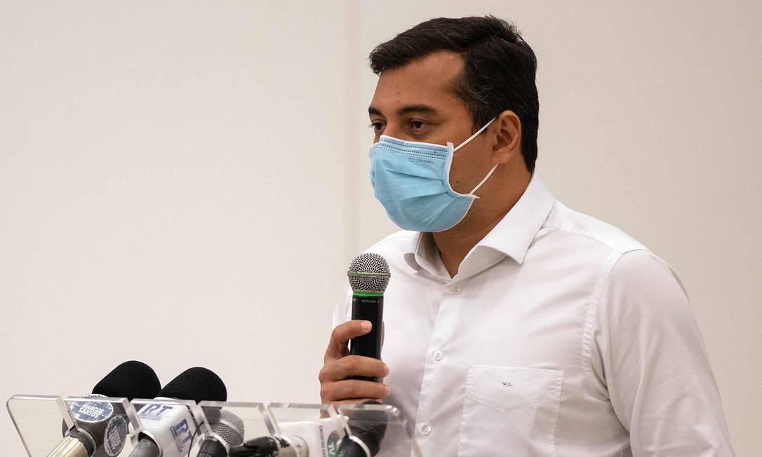 O governador do Amazonas, Wilson Lima, agradeceu a ajuda da Venezuela Foto: MICHAEL DANTAS / AFP