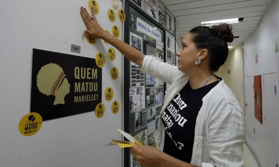 Entrada do gabinete de Monica Benicio, na Câmara de Vereadores do Rio: 'Quem matou Marielle?' Foto: Gabriel de Paiva - Agência O Globo