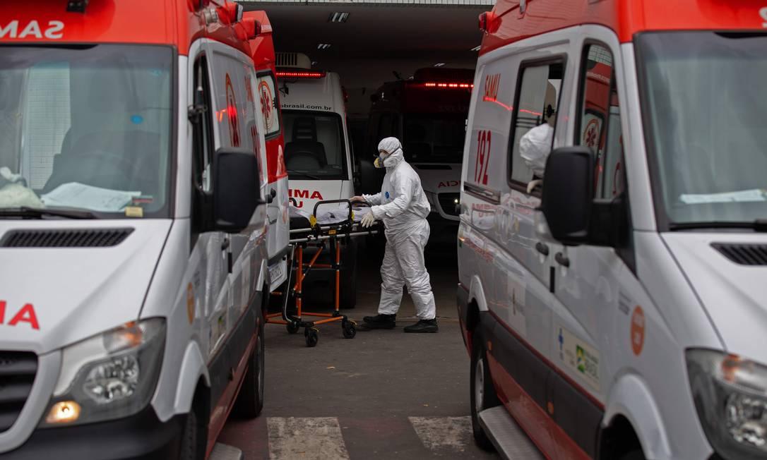 Paciente chega no hospital 28 de agosto, em Manaus Foto: Michael Dantas/AFP/14-01-2020/14-01-2020