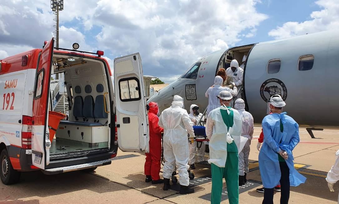 Pacientes com Covid-19 são transportados de Manaus para outros estados em avião da FAB Foto: Divulgação/FAB