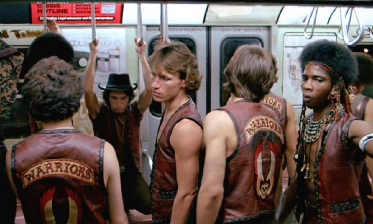 'Warriors — Os selvagens da noite'': Muito da fama em torno do perigo de se andar no metrô e nos parques durante a noite veio desse filme de Walter Hill Foto: Divulgação