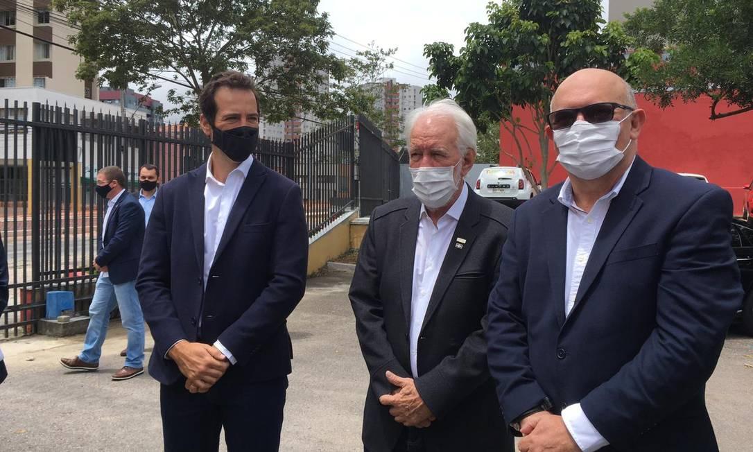 Ministro Milton Ribeiro, de óculos escuros Foto: Isadora Rupp / Agência O GLOBO