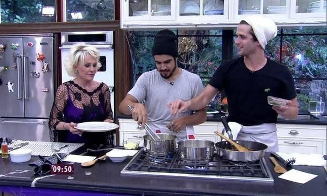 Ana Maria Braga, Caio Castro e Gil Coelho: encontro na cozinha Foto: Ivo Madoglio / divulgação / TV Globo