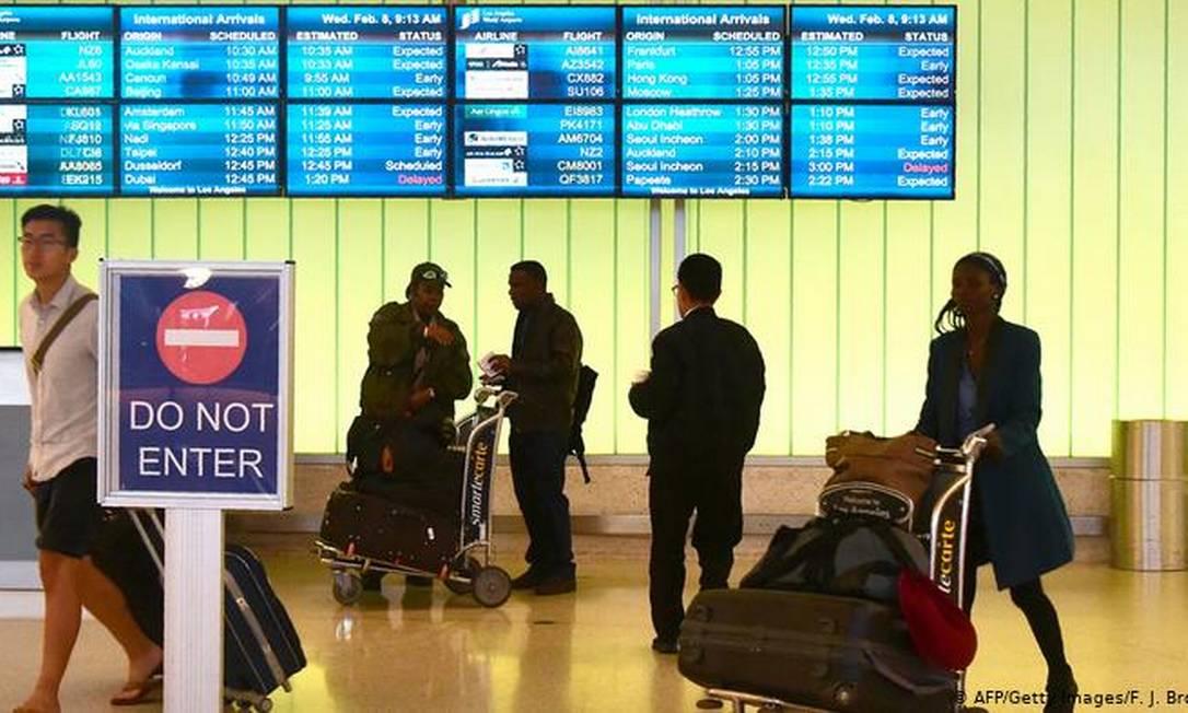 Restrição para passageiros vindos do exterior foi imposta no início do ano passado Foto: AFP/Getty Images