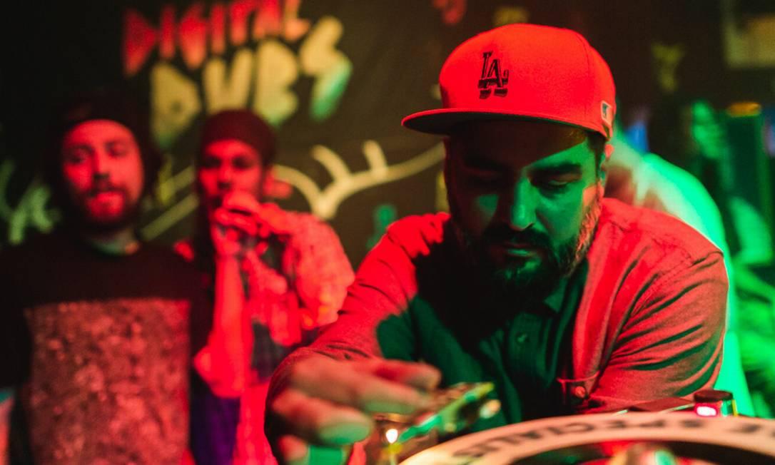 Digitaldubs vai ter a participação de Junior Dread, Victor Bhing e Nabby Clifford na live desta quarta-feira. Foto: Marcelo Paixão / Divulgação