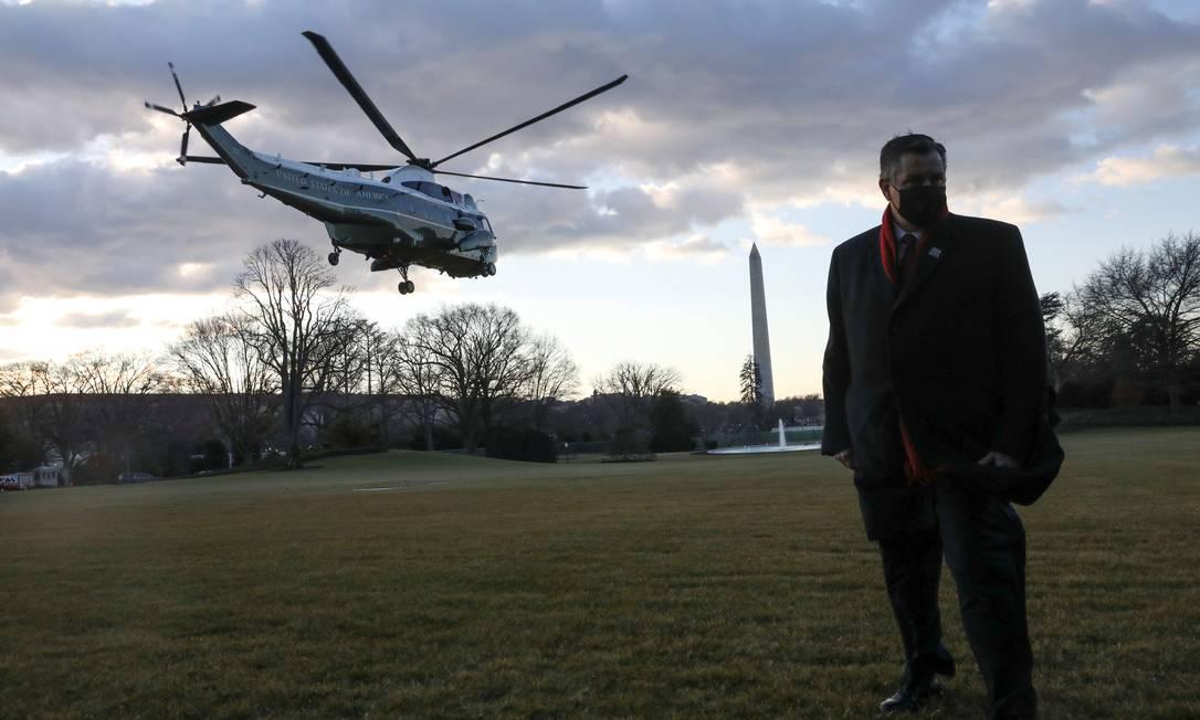 Il presidente degli Stati Uniti Donald Trump e la First Lady Melania Trump lasciano la Casa Bianca a bordo di Marine One prima dell'inaugurazione del presidente eletto Joe Biden a Washington.  Foto: Leah Mehlis/Reuters