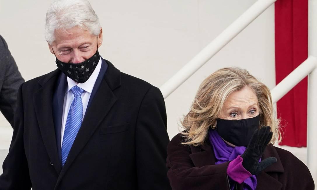 A ex-secretária de Estado dos Estados Unidos Hillary Rodham Clinton e o ex-presidente dos Estados Unidos Bill Clinton Foto: KEVIN LAMARQUE / REUTERS