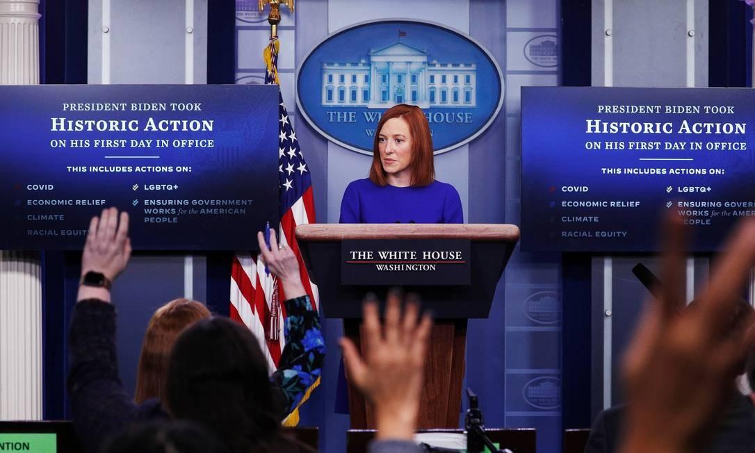 A secretária de imprensa da Casa Branca, Jen Psaki, responde a perguntas de jornalistas após a posse de Joe Biden como 46º presidente dos EUA Foto: TOM BRENNER / REUTERS/20-01-2021