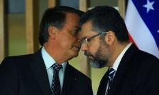 O presidente Jair Bolsonaro e o ministro das Relações Exteriores, Ernesto Araújo, durante evento no Itamaraty Foto: Jorge William/Agência O Globo/20-10-2020