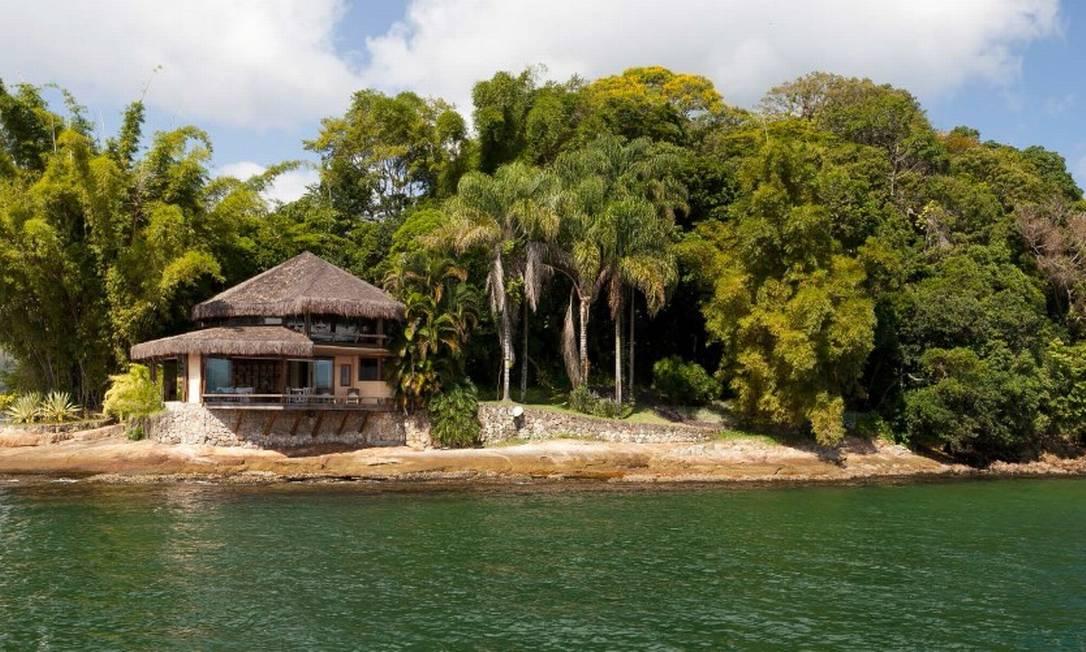 Situada na Baía da Ribeira, no município de Angra dos Reis, Ilha do Capítulo está à venda por R$ 87,5 milhões Foto: Divulgação / Real Estate Brazil