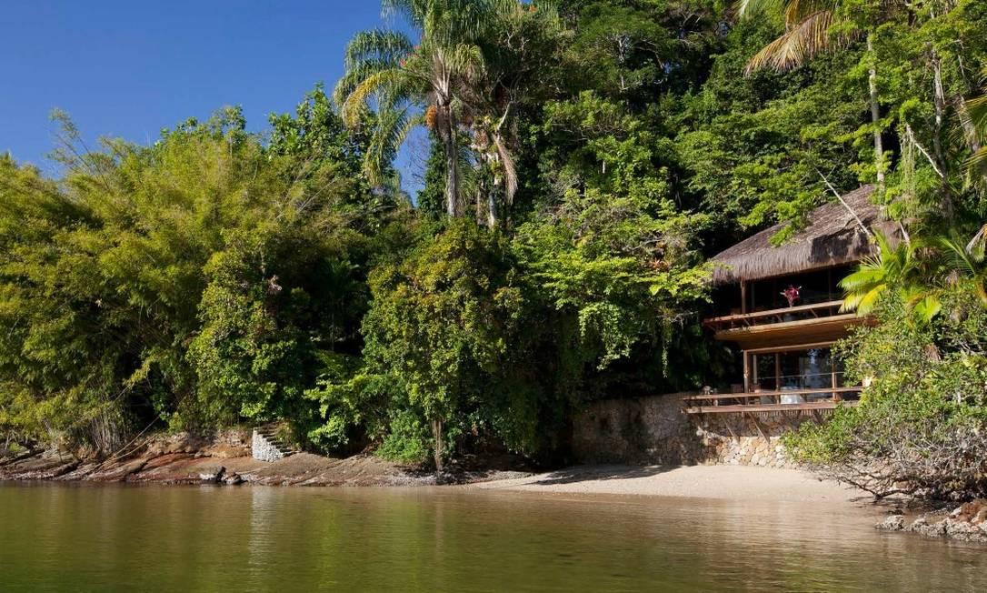 Propriedade de 55.000 m2 é coberta por densa vegetação de Mata Atlântica, com quatro praias de areias brancas banhadas por águas calmas e cristalinas Foto: Divulgação / Real Estate Brazil