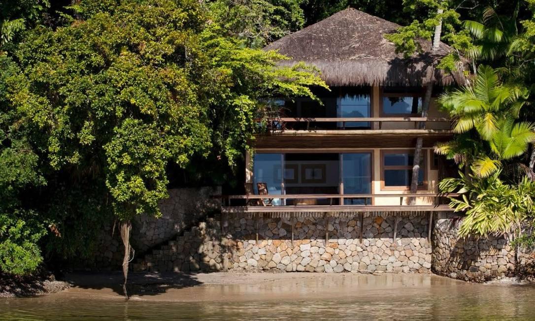 Suíte praia, com 184,80 m², com dois pavimentos, moderna suíte em cada pavimento, amplo quarto com varanda e banheiro com hidromassagem Foto: Divulgação / Real Estate Brazil