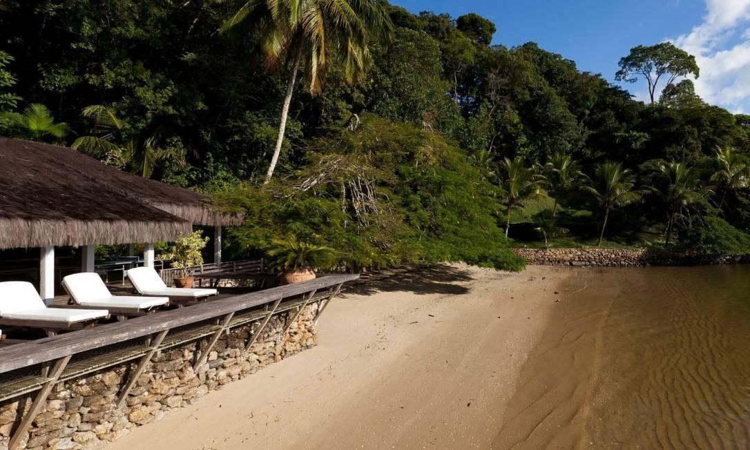 Por toda a ilha, existem caminhos pavimentados com paralelepípedos para circulação das pessoas, além de três carros elétricos Foto: Divulgação / Real Estate Brazil